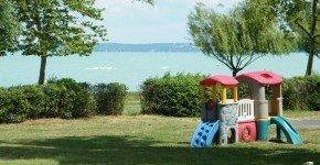 - Nyár, Csobbanás, Balaton (min. 2 éj)