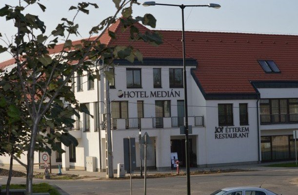Hotel Medián Hajdúnánás