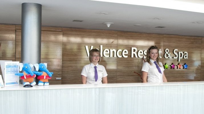 Hotel Velence Resort & Spa